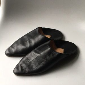 Shoes - Moroccan leather babouche black slip ons size 7